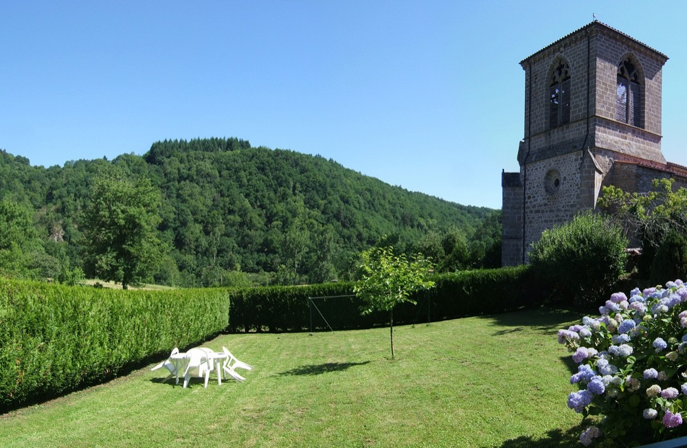Location Besse-Super-Besse : Jardin