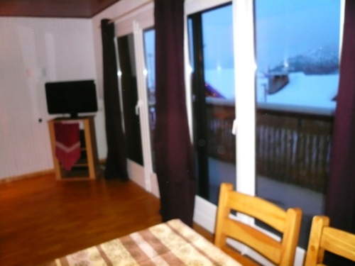 Location Alpe d'Huez : grand balcon + s�jour