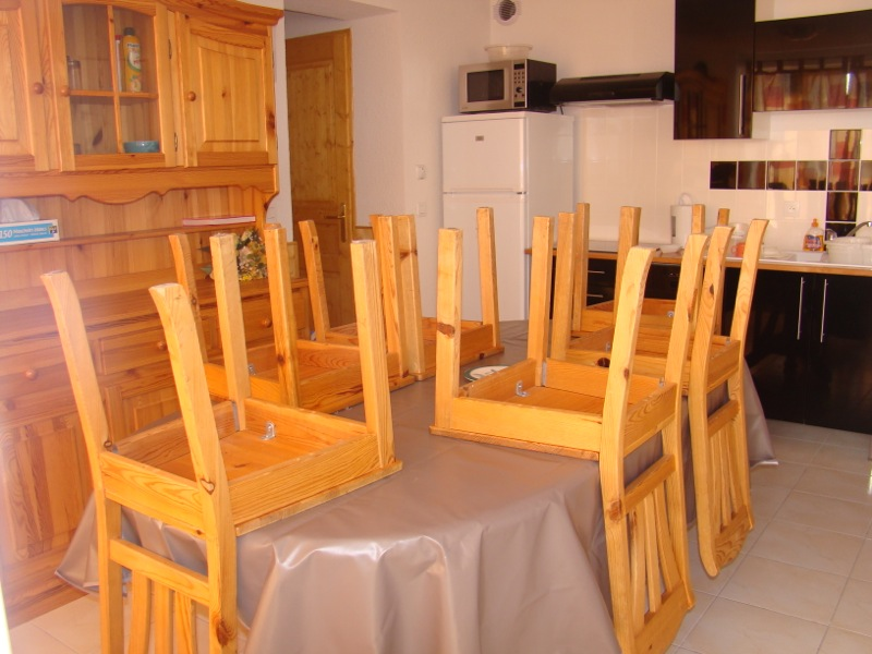 Location Chamrousse : table sejour
