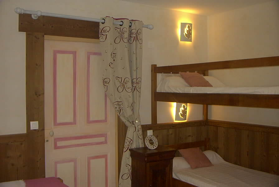 Location Areches-Beaufort : Chambre 4 personnes