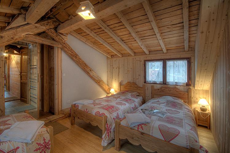 Diaporama alpe d 39 huez chalet centre alpe d 39 huez location montagne les grandes rousses for Photo dinterieur de chalet de montagne